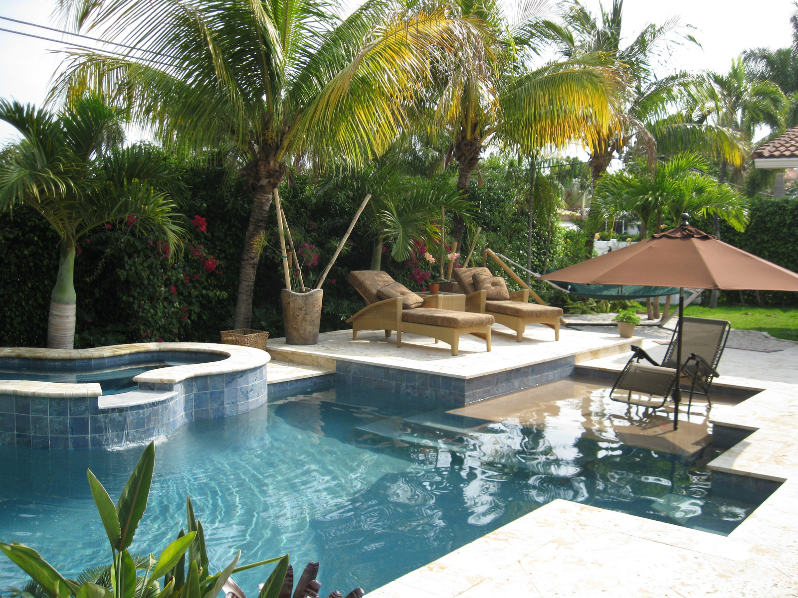 Hallandale Beach Pool Service and Maintenance