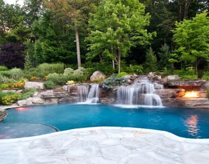 top 5 things toconsider when hiring a pool company